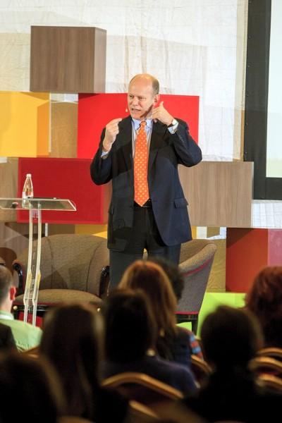 Phillip Henderson -- Presedinte, Surdna Foundation
